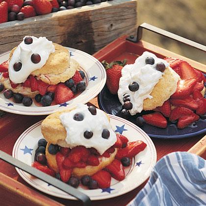 Recipe of the Week: Strawberry-Blueberry Shortcake | Fundcraft